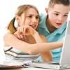 В Интернете девочки чаще мальчиков раскрывают свои имена и фамилии
