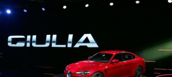 У Alfa Romeo Giulia и Stelvio обновился салон и добавились опции