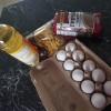 В Барнауле подростки забросали пять машин яйцами и луком