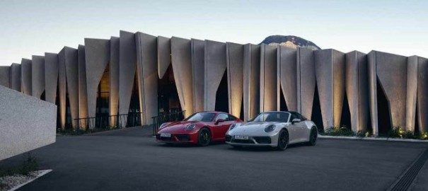 Porsche представила новые версии модели Porsche 911 2022 года