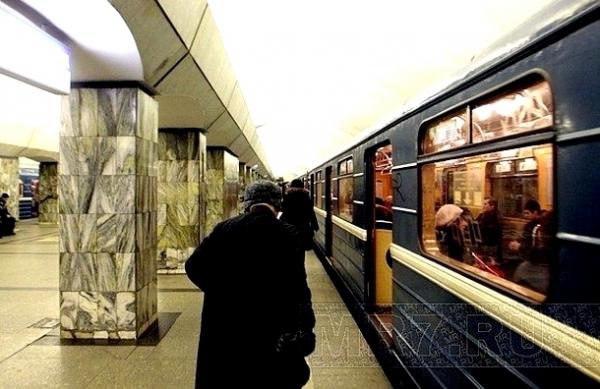 devushki-metro-primorskaya