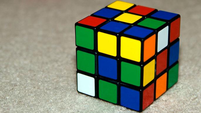 Робот побил мировой рекорд посборке кубика Рубика
