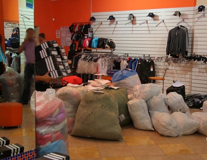 рассмотрев заявление, отзывы покупателей телефонов с магазинов торгующими таможенными конфискатами пользователь меняет