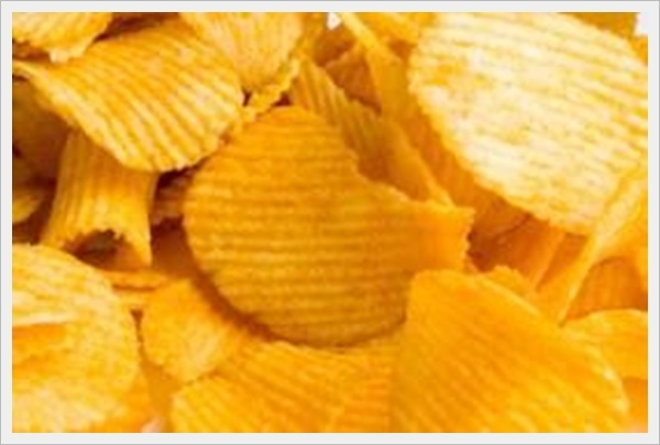 Ученые: Почему детям нельзя давать чипсы?