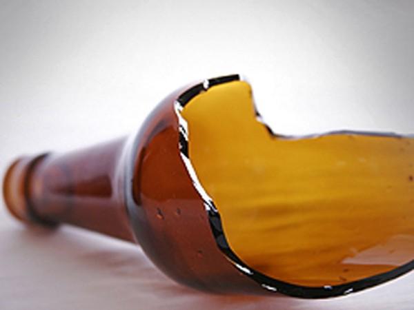 розочка горлышко разбитой бутылки