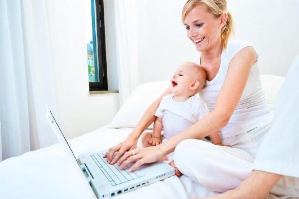 молодая мать интернет