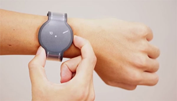 часы из электронной бумаги