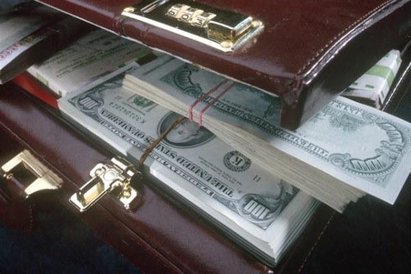 портфель c деньгами