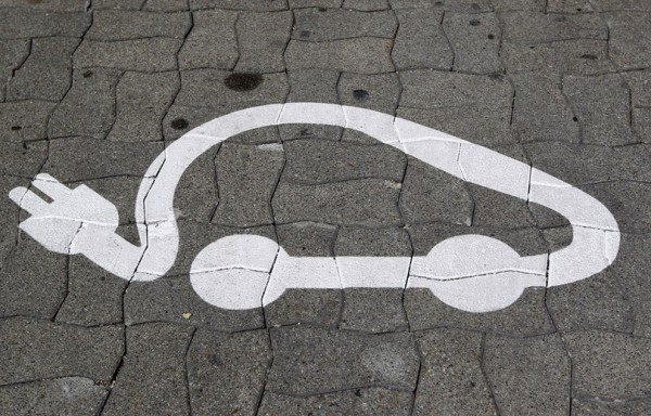 электромобиль парковка