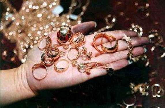 Полицейские раскрыли кражу золотых изделий на119,1 тыс руб