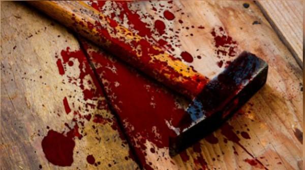 молоток кровь