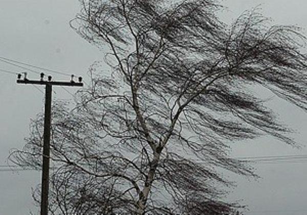 ВНовороссийске мужчину порывом ветра сдуло сбалкона многоэтажки