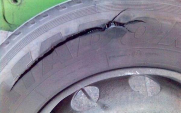 колесо лопнуло