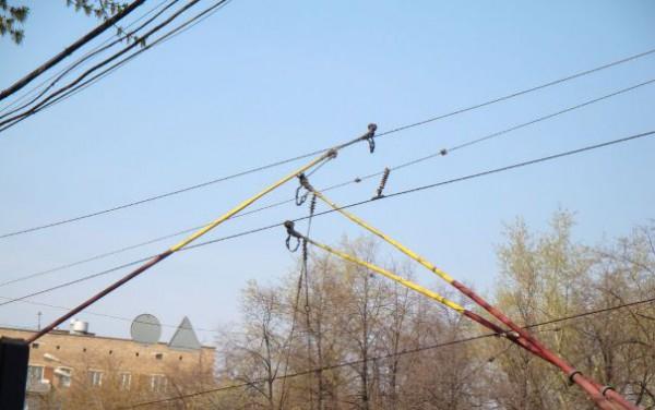 троллейбусные провода