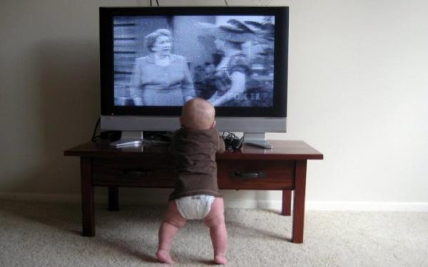 телевизор ребенок