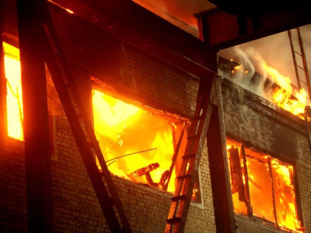 В Москве жертвами пожара в швейном цеху стали 11 человек