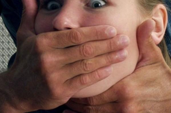 изнасилована девочка