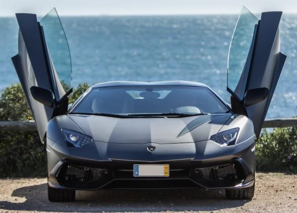 Lamborghini-Aventador-Roadster-50th-anniversary-5
