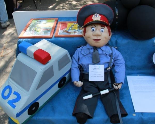 кукла полицейский