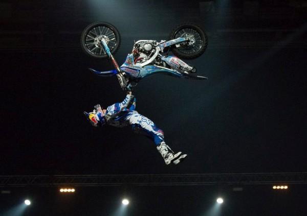 мотоциклист цирк
