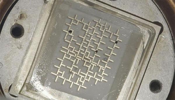 компьютер, работающий с использованием капель воды