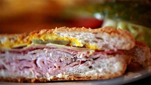бутерброд со свининой