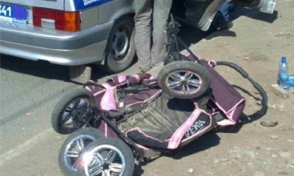 ДТП коляска в ребенком