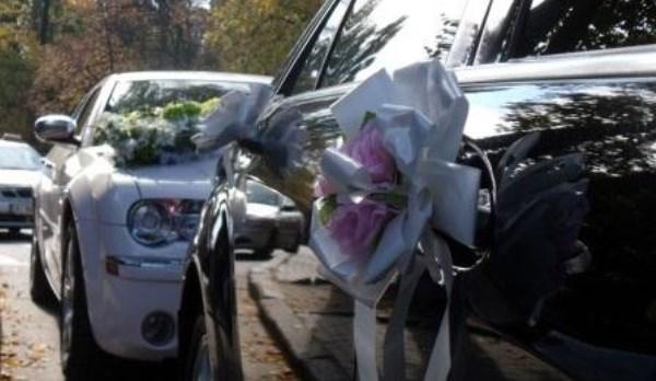 Свадебный кортеж задержали вцентре столицы