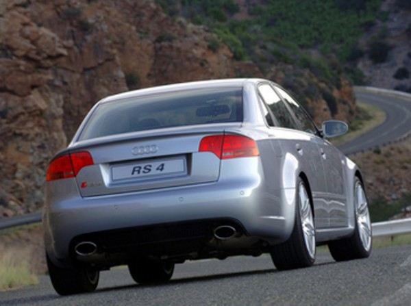 Audi RS4, седан