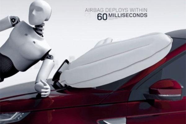 Вновом автомобиле Тоёта подушки безопасности будут спасать пешеходов