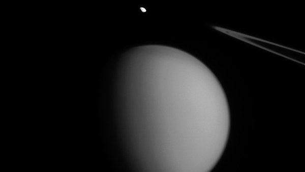 Ученые НАСА впервые увидели, как наступила зима наТитане