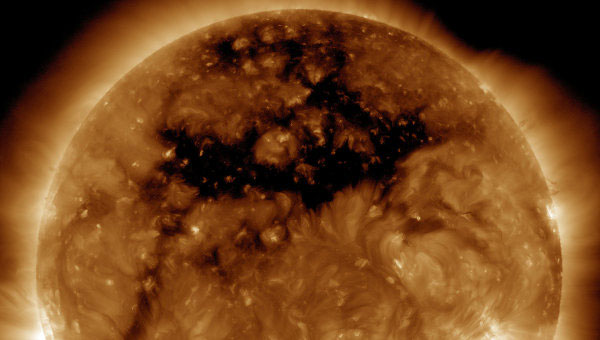 корональные дыры на Солнце