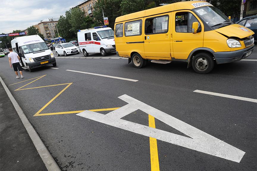 Школьным автобусам разрешили двигаться повыделенным полосам