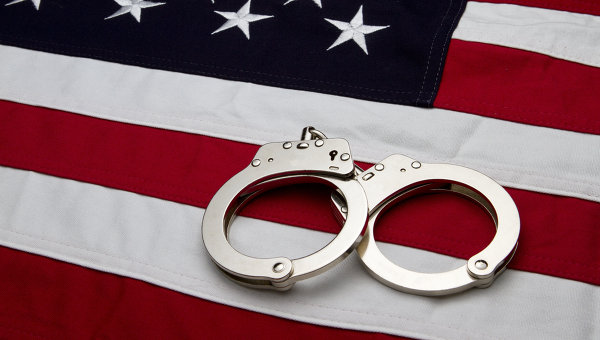 США арест