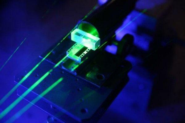 кристаллы алмазов для фотонного компьютера