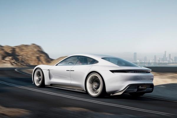 Porsche электромобиль