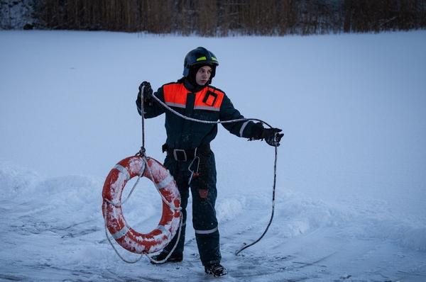 спасатель лед