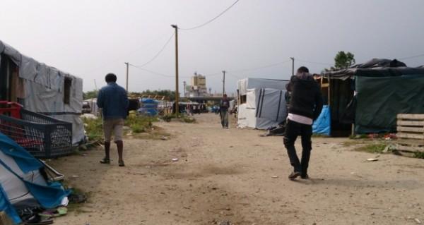 Во французском лагере беженцев напали на журналиста Russia Today