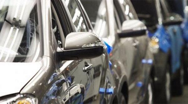 Мировые автоконцерны сокращают модельный ряд в России