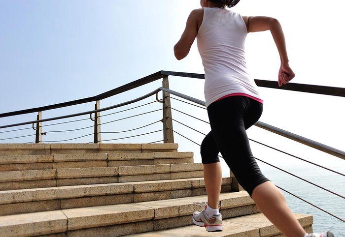 Медики: Ходьба по лестнице замедляет старение мозга