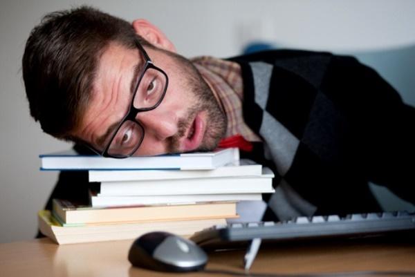 Недосыпание сравнили с алкоголизмом
