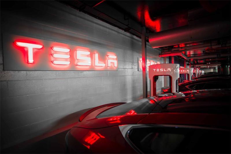 Tesla Motors заправка