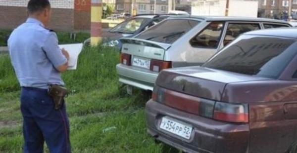 авто на газонах