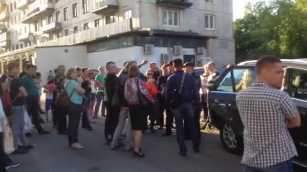 Напроспекте Науки нетрезвый шофёр сбил активистов «СтопХама» ипопытался исчезнуть