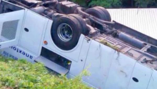 ВТаиланде вДТП смикроавтобусом пострадали десять русских туристов