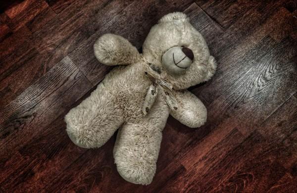 __игрушка насилие педофил