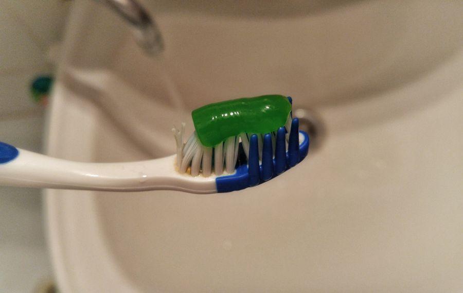 Чистка зубов может продлить жизнь— Ученые