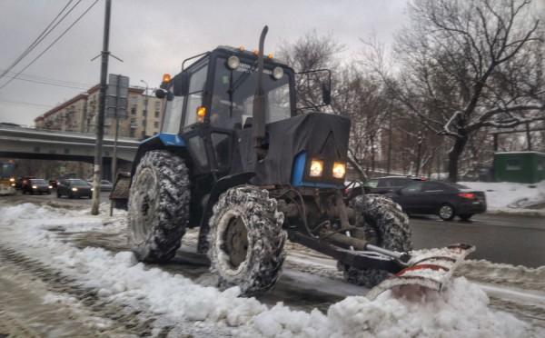__трактор уборка снега