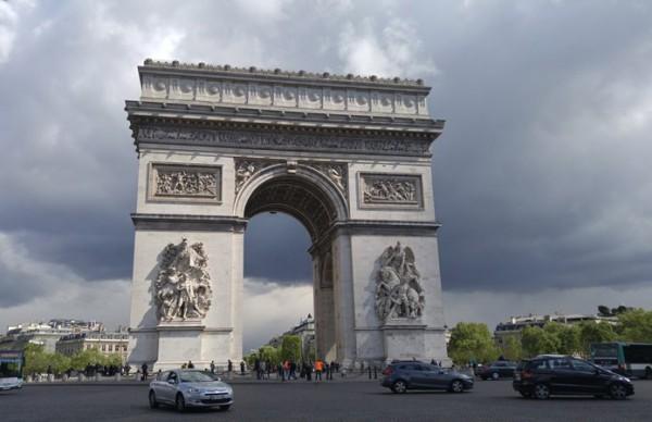 __Париж