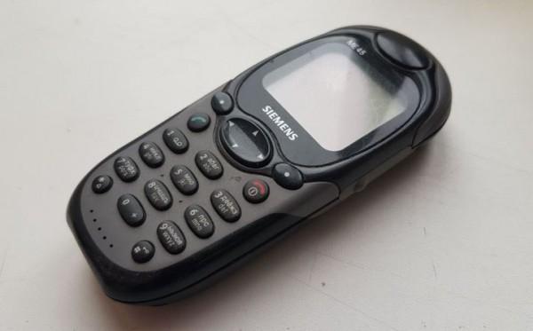 __мобильный телефон ретро